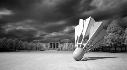 shuttlecock-sculpture-580754_640