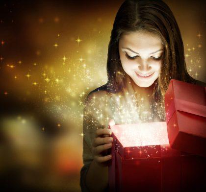 gaven til hende
